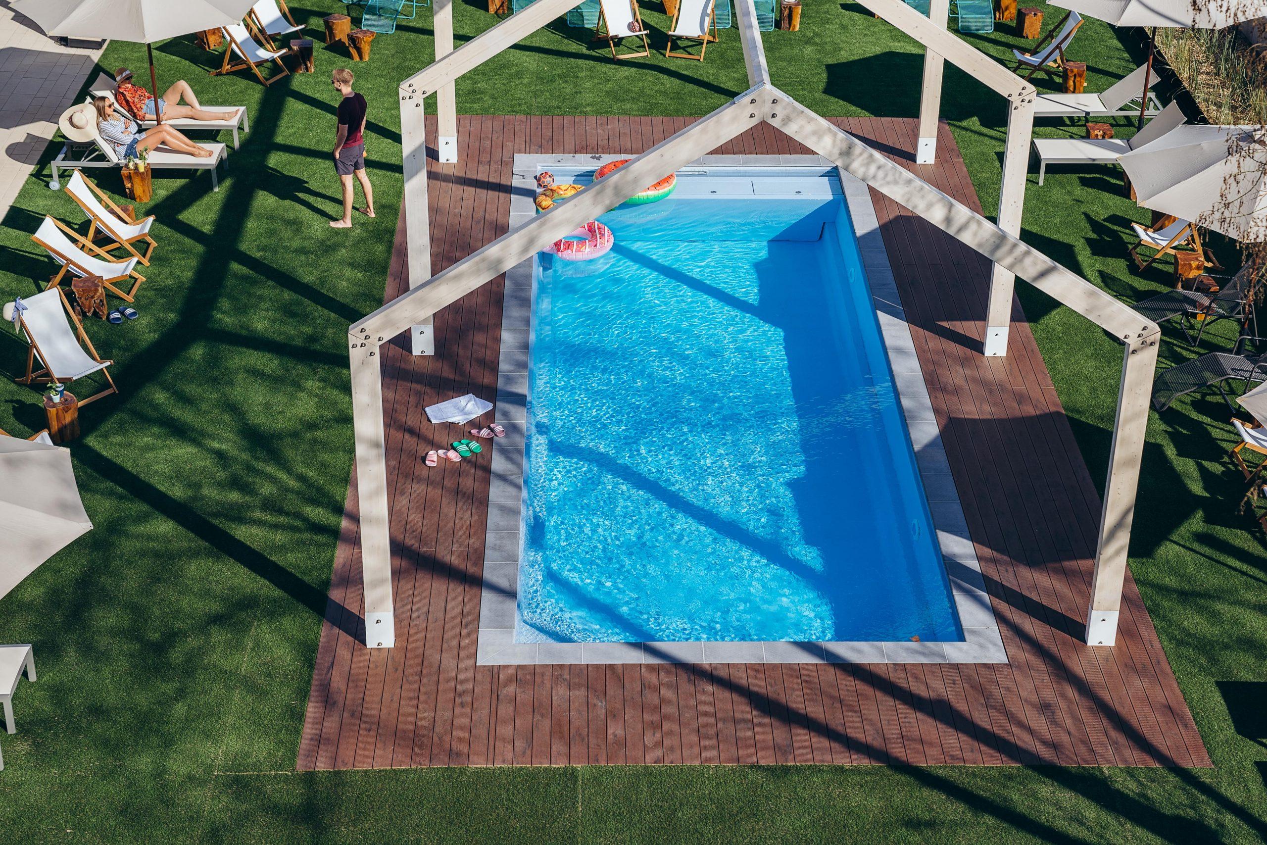 Pool 077-min